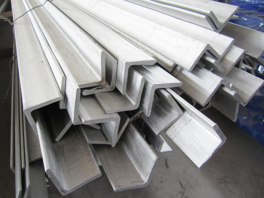 চীন 6m Grade 304 Stainless Steel Angle Bar Polished Peeled Grinding সরবরাহকারী